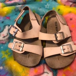 Old navy baby sandals 18/24 month